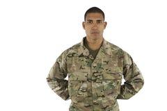 Afroamerikaner-Soldat, der am Parade-Rest steht Stockbild