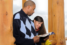 Afroamerikaner-Vater und Tochter Lizenzfreie Stockbilder