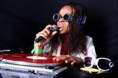 Afroes-amerikanisch DJ in der Tätigkeit Lizenzfreie Stockfotografie