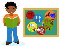 Afrykańska chłopiec z książką blisko zarządów szkoły, szkolni tematy Obraz Stock