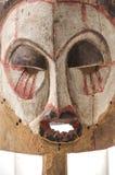 Afrykańska drewniana maska na białym tle Zdjęcie Stock