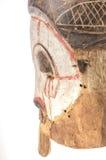 Afrykańska drewniana maska na białym tle Zdjęcie Royalty Free