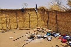 afrykańska househols wnętrza wioska obraz stock