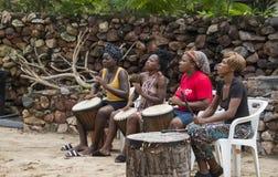 Afrykańska kobieta z bongo bębenami Obrazy Royalty Free