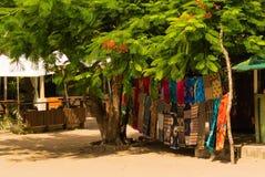 Afrykańska tkanina na drewnianym Mozambik Afryka fotografia stock