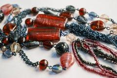 Afrykańska tradycyjna etniczna koralik biżuterii czerwieni kolia Fotografia Stock