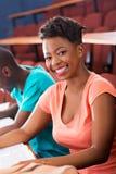 Afrykański żeński student collegu obrazy stock