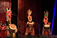 Afrykański bębenu przedstawienie w nowego roku przedstawieniu obrazy royalty free