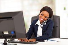 Afrykański bizneswomanu działanie Zdjęcia Royalty Free