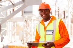 Afrykański elektryczny inżynier zdjęcia stock