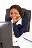 Afrykański korporacyjny pracownik fotografia royalty free