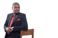 Afrykański mężczyzna poważnie patrzeje daleko od i pozuje fotografia royalty free