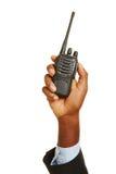 Afrykański ręki mienia radia set obraz stock