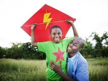 Afrykański Rodzinny szczęście wakacje wakacje aktywności pojęcie Fotografia Stock