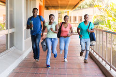 Afrykański studentów collegu biegać Fotografia Stock