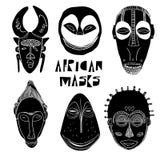 Afrykańskie czarny i biały maski Zdjęcia Royalty Free