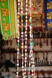 Afrykańskie rzemiosło rzeczy dla sprzedaży przy rynkiem w Iringa w Tanzania Zdjęcia Royalty Free
