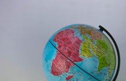 Afryka, Środkowy Wschód i India mapa na kuli ziemskiej z białym tłem, Fotografia Stock