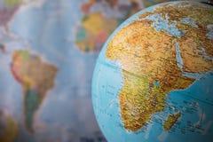 Afryka i środkowa wschodnia mapa na kuli ziemskiej z ziemską mapą w tle Zdjęcia Royalty Free
