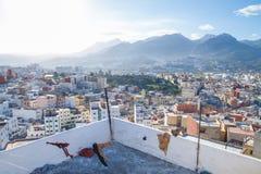Afryka, Maroko, Tanger, wzgórza i samochód, 2013 Zdjęcia Stock