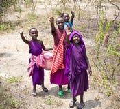 Afrykańscy dzieciaki Masai plemienia wioska Tanzania Zdjęcia Royalty Free