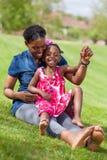 afrykańska córka jej matka Zdjęcie Royalty Free