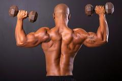 Afrykański bodybuilder szkolenie Fotografia Royalty Free