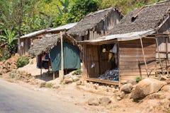 Afrykańskie malagasy budy w Andasibe regionie Obraz Royalty Free