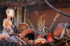 Afrykańskie Tradycyjne Etniczne i Tajemnicze Drewniane maski Zdjęcia Stock