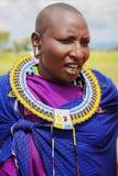 Afryka Tanzania, Luty, - 2016: Masai kobieta plemię w wiosce w tradycyjnej sukni Obraz Royalty Free