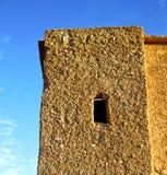 Afryka w histoycal maroc starej budowie i błękitnej chmurze Obraz Royalty Free