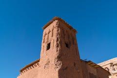 Afryka w histoycal maroc starej budowie i błękitnym chmurnym s Obrazy Stock