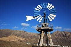 Afryka wiatraczki i niebo w wyspie l Zdjęcie Royalty Free