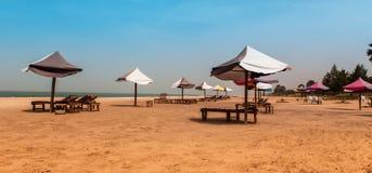 Afryka Zachodnia Gambia - raj plaża z złotymi piaskami Obraz Stock
