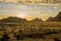 Afrykanów krajobrazy - Spitzkoppe Namibia Fotografia Royalty Free