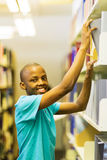 Afrykanin uni studencka biblioteka Obrazy Royalty Free
