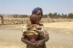 Afrykanina dziecko i matka Zdjęcie Stock