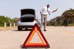 Afrykańska mężczyzna samochodu awaria Zdjęcie Royalty Free