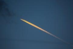 Afterburner ατμός πέρα από τον ουρανό στο λυκόφως από την Ταϊλάνδη Στοκ Εικόνες