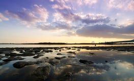 Afterdark. Widok tropikalna laguna przy półmrokiem Fotografia Stock