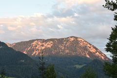 Afterglow na górze w Grundlsee w Austria Zdjęcia Royalty Free