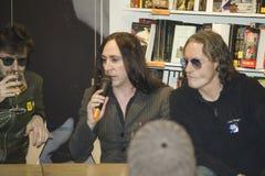 Afterhours摇滚乐队领导agnelli唱歌曲 免版税图库摄影