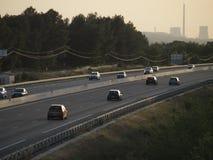 Afternon huvudvägtrafik på sommar Royaltyfri Bild