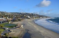 Aftet在主要海滩的一场冬天风暴在拉古纳海滩,加利福尼亚 免版税库存图片