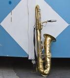 Afther för guld- saxphone för tappning ensam en konsert Royaltyfria Foton