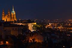 Afton över Prague Arkivfoto