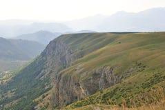 Afton i alpina ängar av Durmitor, Montenegro royaltyfria bilder