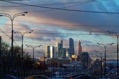 Afton i mitten av Moskva Arkivbild