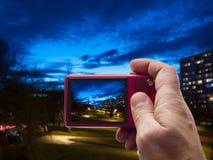 Afton i sökare för grannskap in camera Arkivbilder