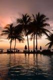 Afton i tropiskt hotell arkivbild